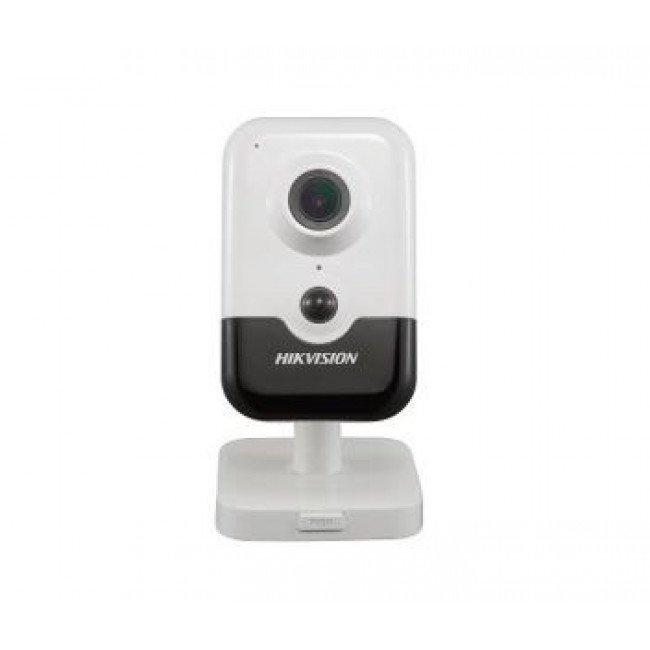 Hikvision DS-2CD2423G0-IW (2.8мм) 2Мп IP видеокамера